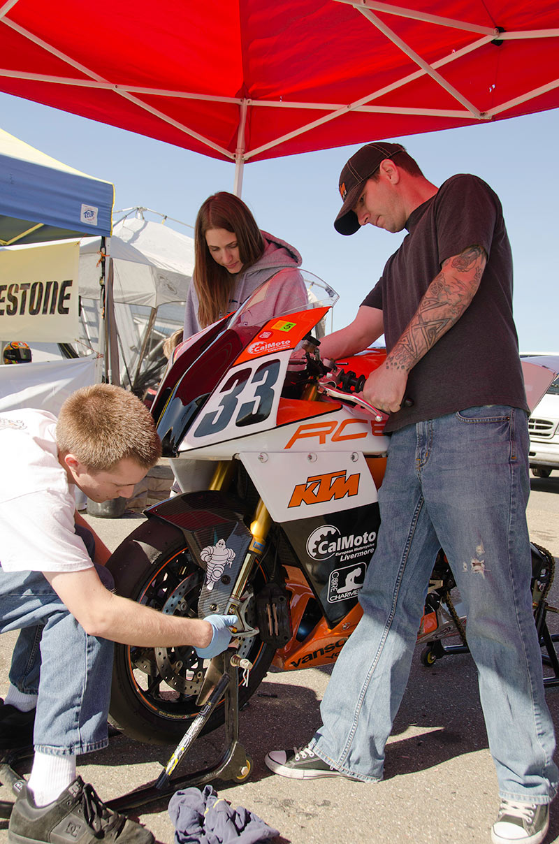 http://gotagteam.com/KTM_Days/images/racing_2012/afm_round-3_2012/_DSC4889.jpg