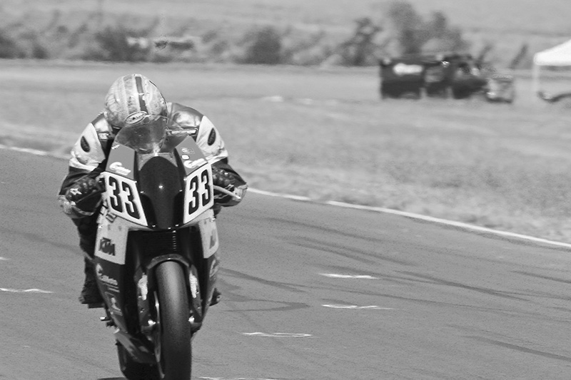 http://gotagteam.com/KTM_Days/images/racing_2012/afm_round-5_2012/037bw.jpg